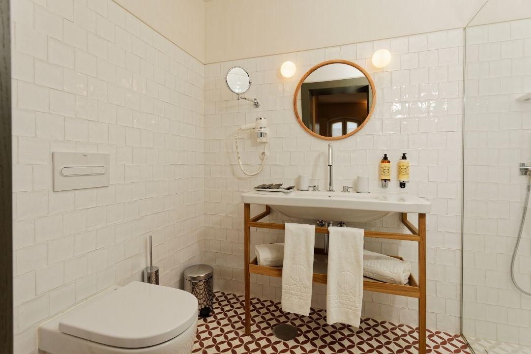 Estúdio - Casa de Banho - Bairro Vista Alegre