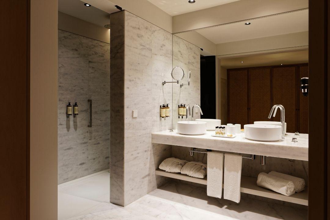 Quarto Superior - Casa de Banho - Bairro Vista Alegre